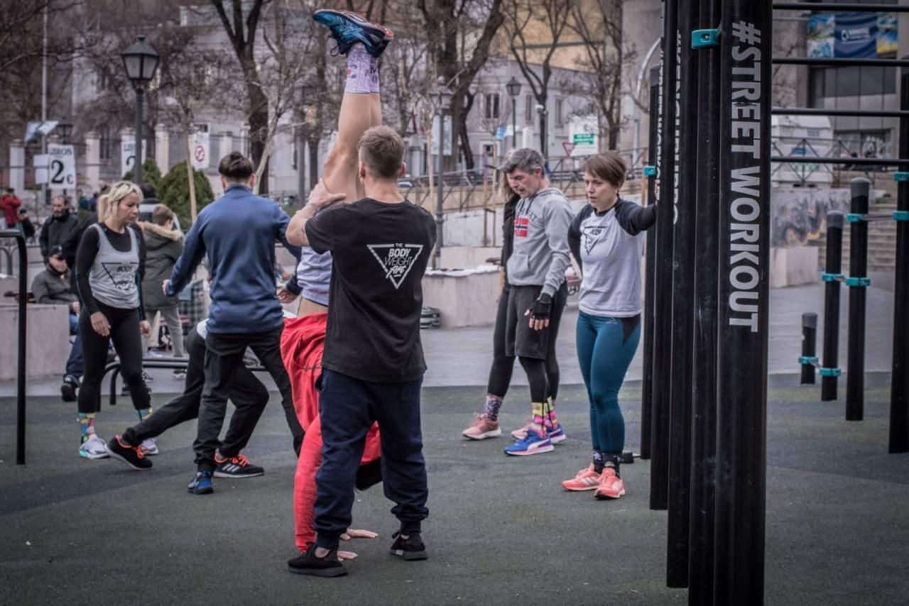 Los entrenadores de calistenia en Madrid recomiendan consejos para principiantes