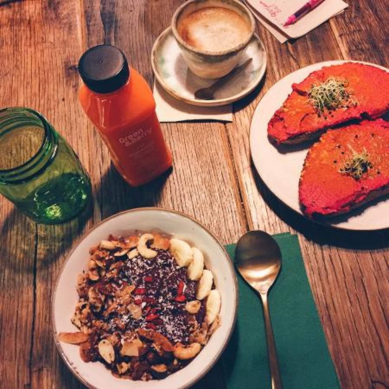 La tendencia de pedir comida a domicilio: Desayuno vegano a domicilio