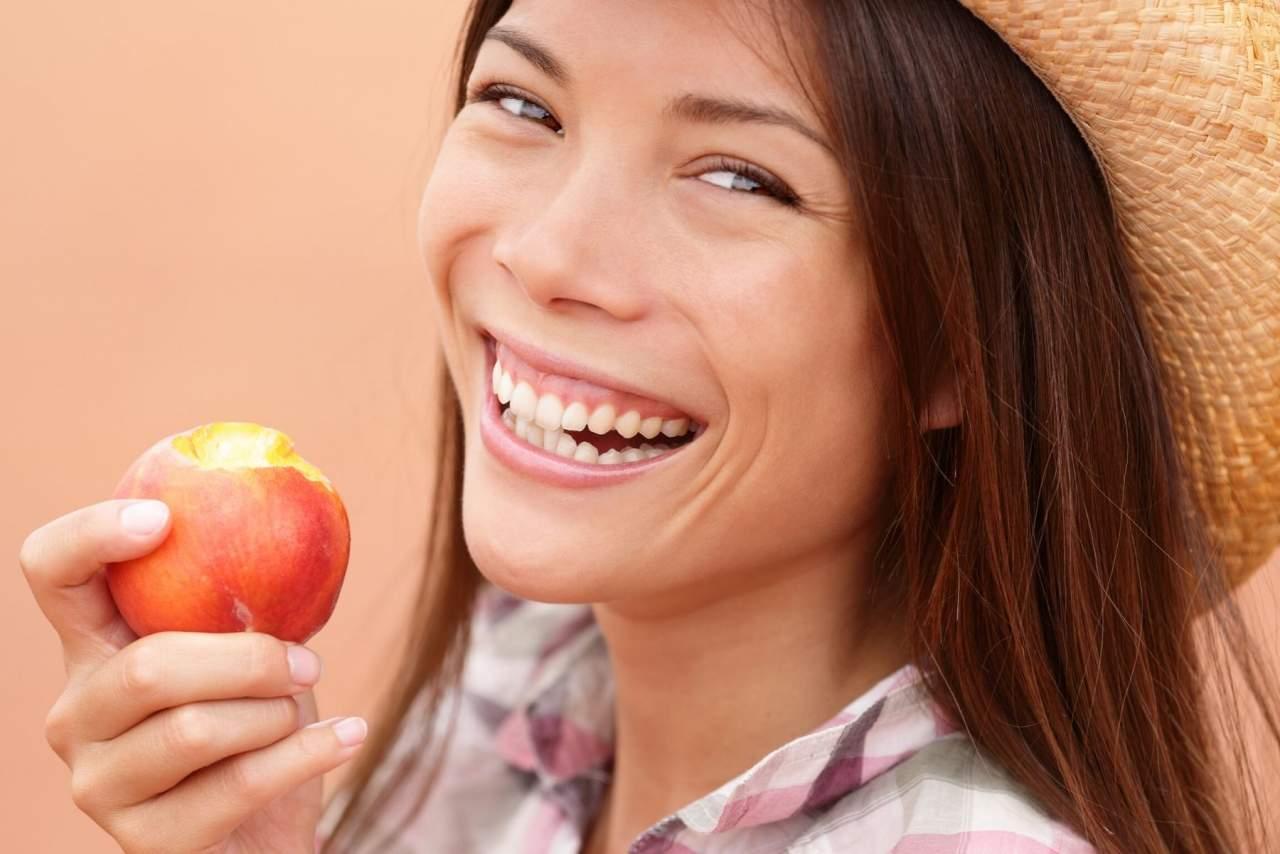 Estos son los alimentos saludables para los dientes: Clínica Dental Helident en Sevilla