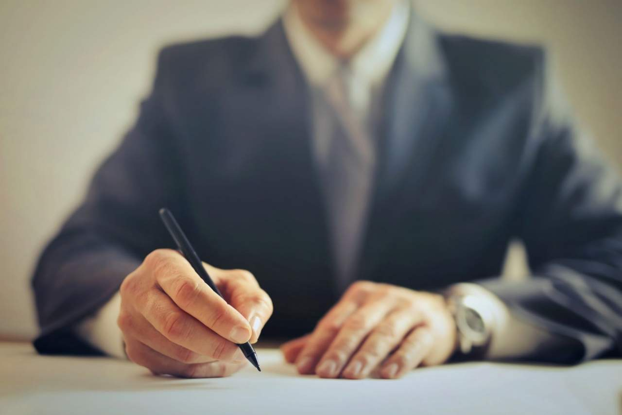 ¿Cuándo es abusiva una cláusula de un contrato de tarjeta de crédito?, según la plataforma Víctimas del Crédito