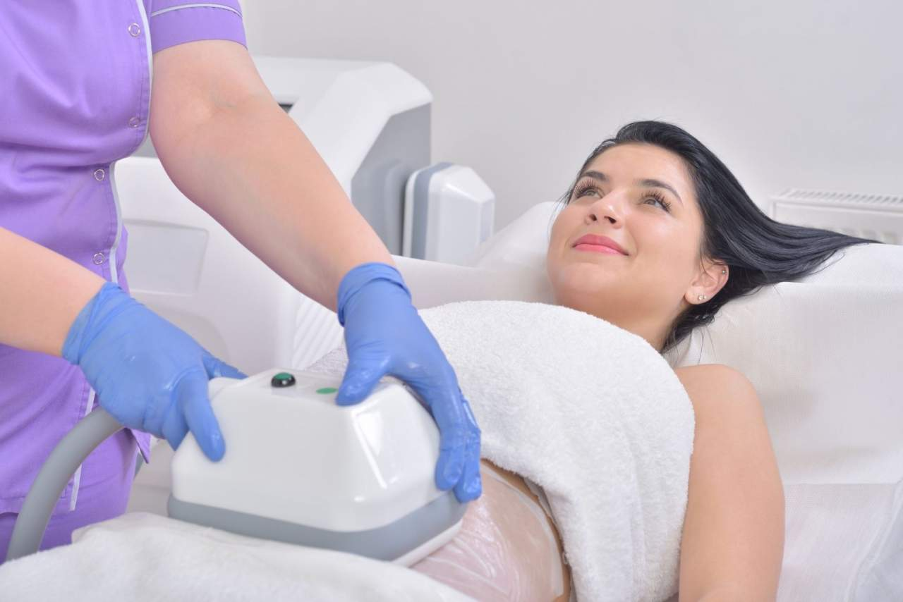 Criolipolisis médica: Eliminar grasa localizada en Santiago de Compostela con la Dra. Alfonsina Uriburu
