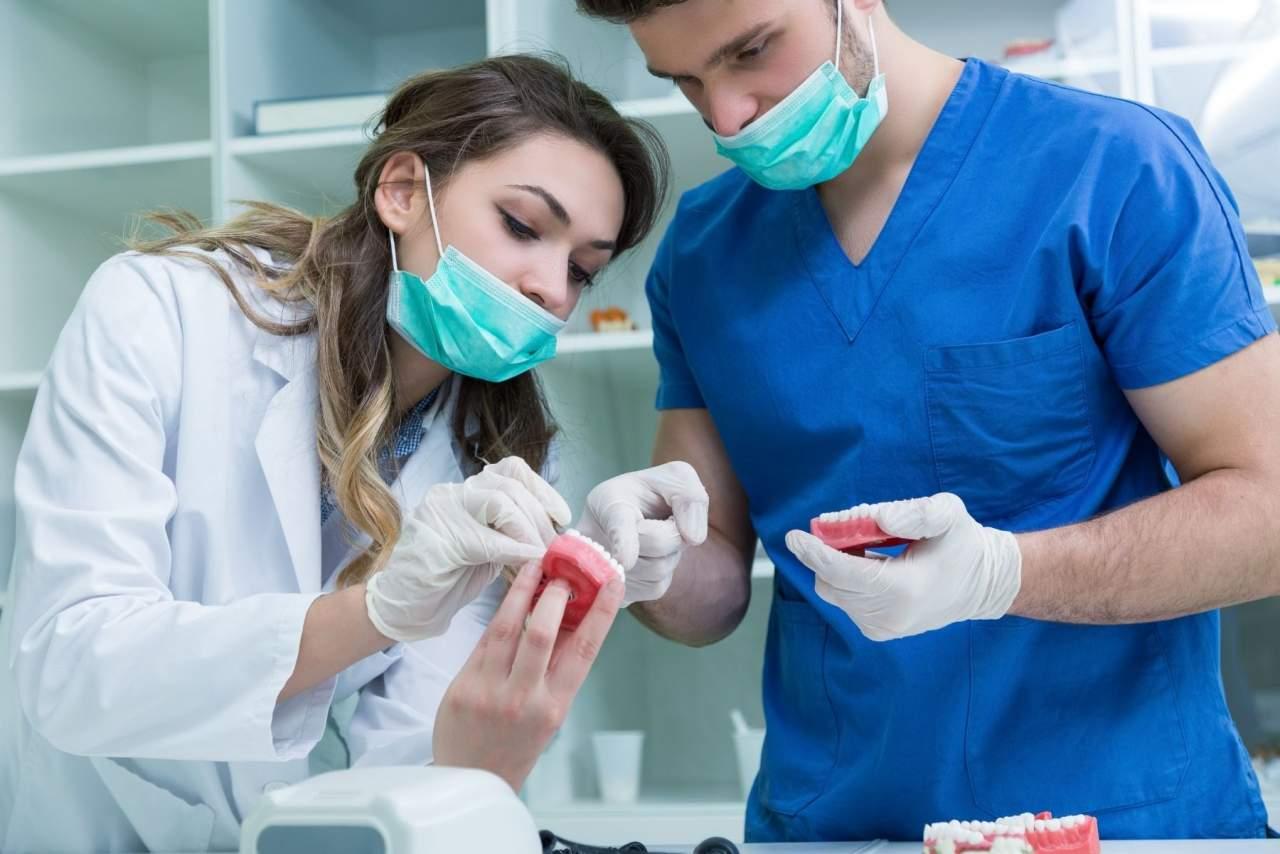 ¿Dónde realizar el curso de estética dental en España online?