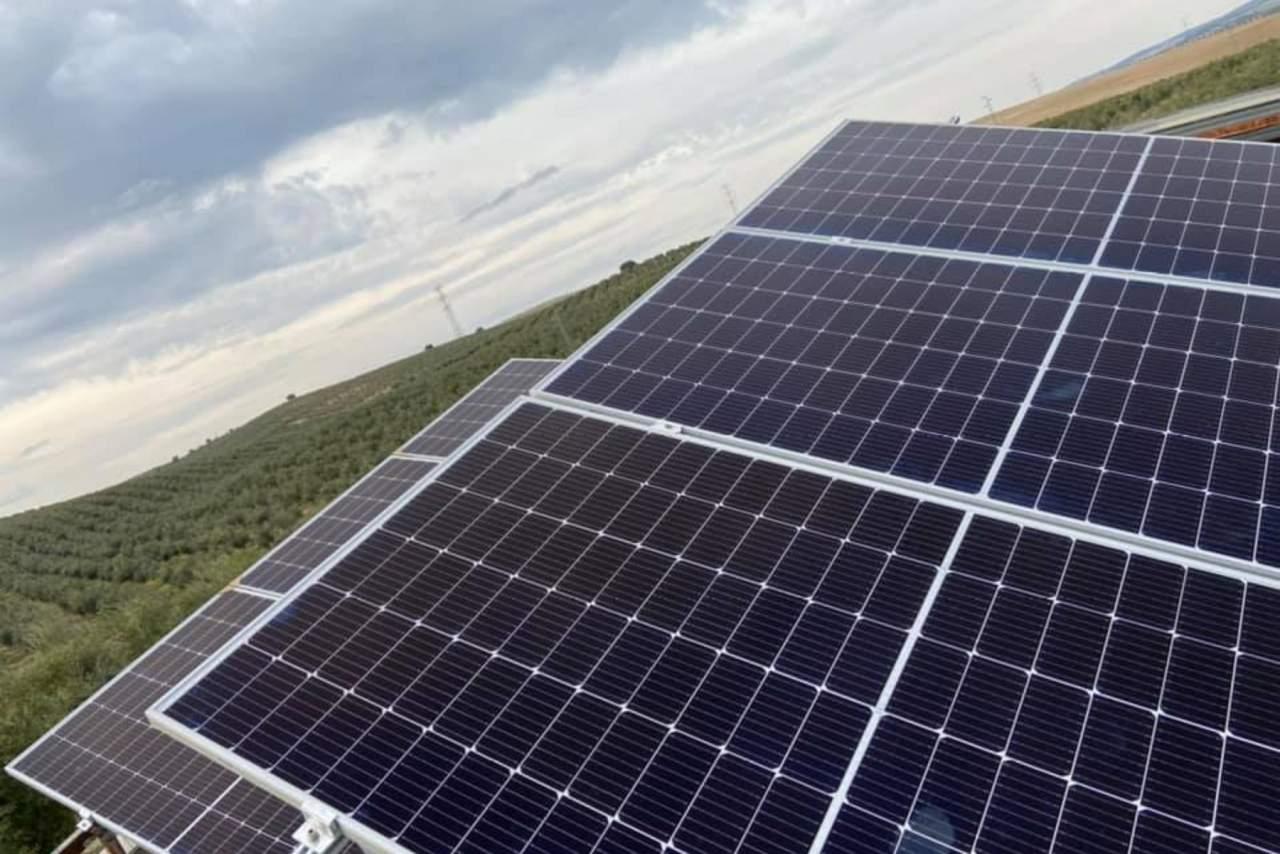 AGRUPACIONES & SOLUCIONES SOLARES: Instalación de placas fotovoltaicas y energía solar fotovoltaica