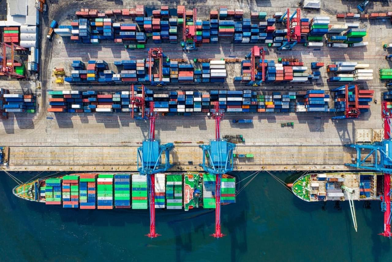 Operaciones de crossdocking, descarga y distribución de mercancía de contenedores: Vailogistic