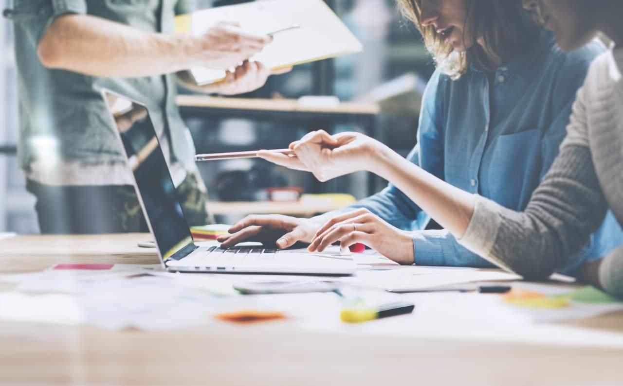 ¿Qué curso de técnicas de ventas profesionales realizar? Digitaliza tu Estrategia Comercial de Valuexperience
