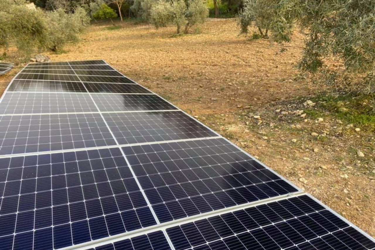 ¿Cómo obtener energía solar para el autoconsumo en empresas? Agrupaciones & Soluciones Solares