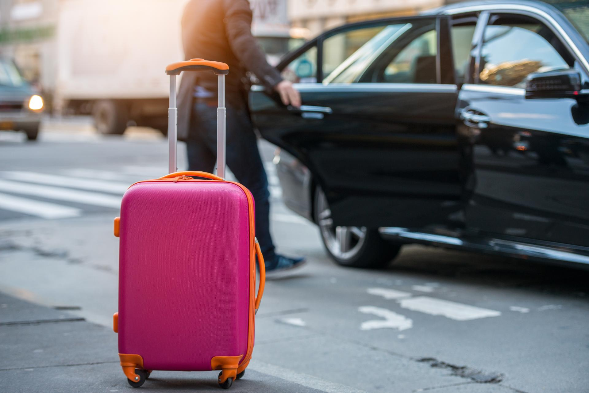 Taxi en Málaga económico y de calidad: Taxi Aeropuerto de Málaga Traslado Charly 24 Horas